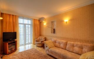 Квартира с панорамным окном / French Balcony